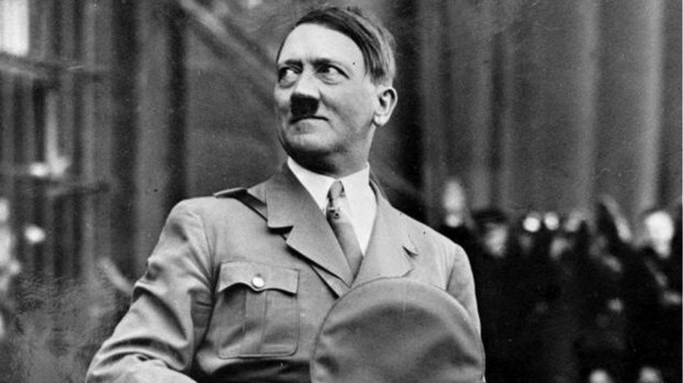 «Κοίτα ποιος ήρθε πάλι»: Το βιβλίο που φέρνει τον Χίτλερ στο σύγχρονο Βερολίνο