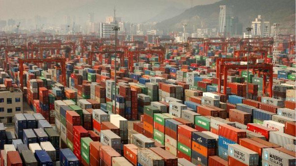 ΔΝΤ προς Μέρκελ: Βάλε φρένο στις γερμανικές εξαγωγές