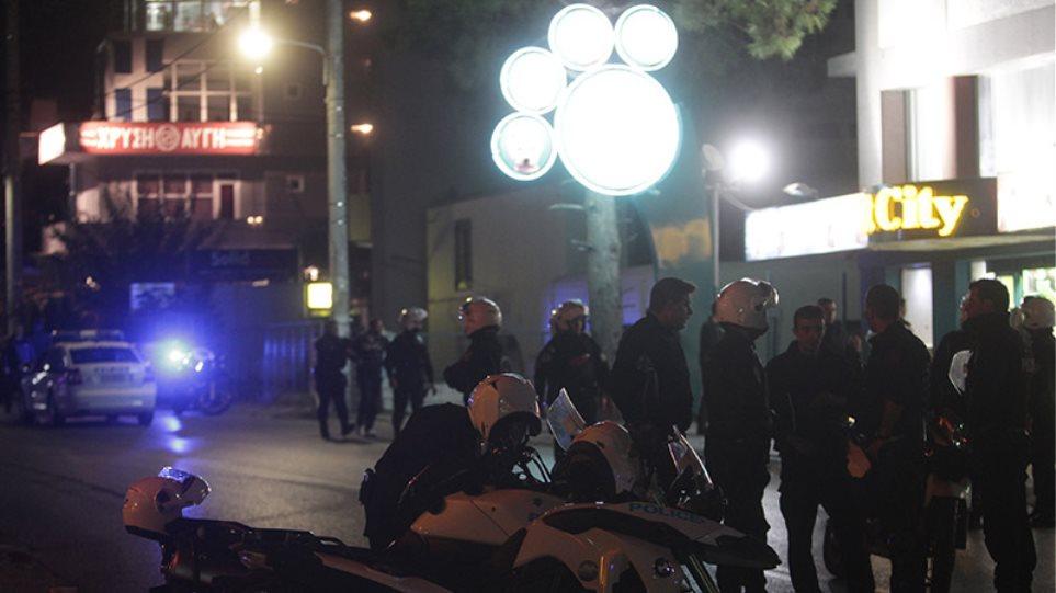 Σοκ από την εκτέλεση δύο μελών της ΧΑ έξω από τα γραφεία της στο Νέο Ηράκλειο