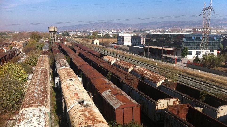 Θεσσαλονίκη: Δείτε φωτογραφίες από το «νεκροταφείο» τρένων στη Νέα Ιωνία