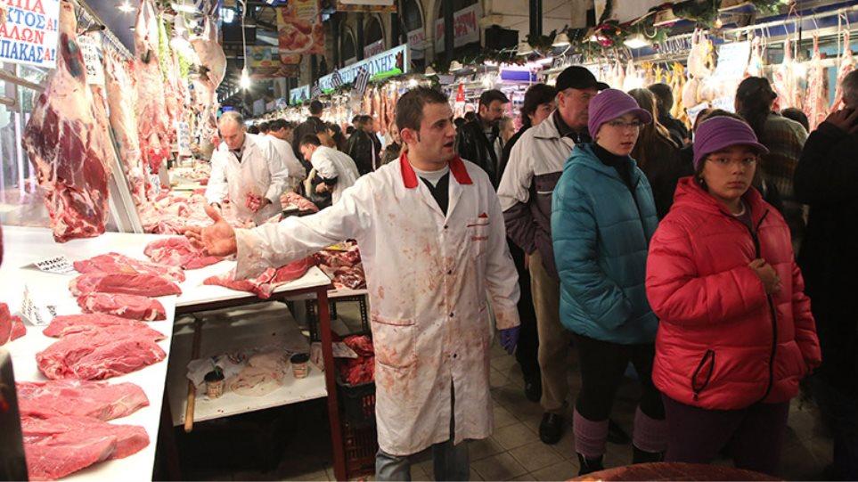 Βαρβάκειος: Οκτώ γυναίκες έδωσαν 20.000 ευρώ για κρέας σε άπορους!