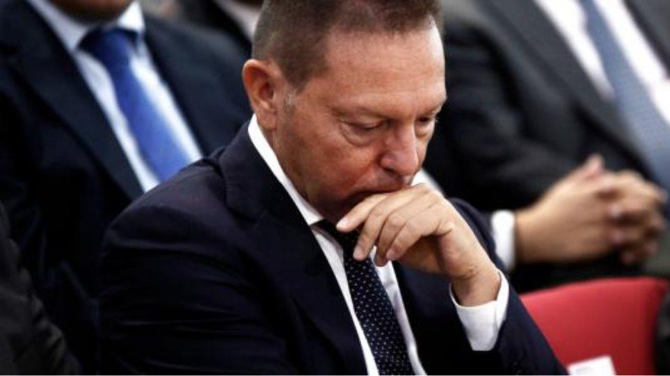 Στουρνάρας καλεί Σφακιανάκη για το κακόβουλο sms