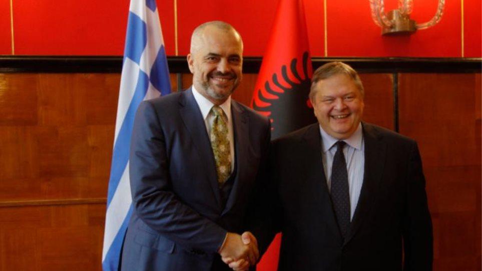 Στηρίζει την ευρωπαϊκή προοπτική της Αλβανίας ο Βενιζέλος