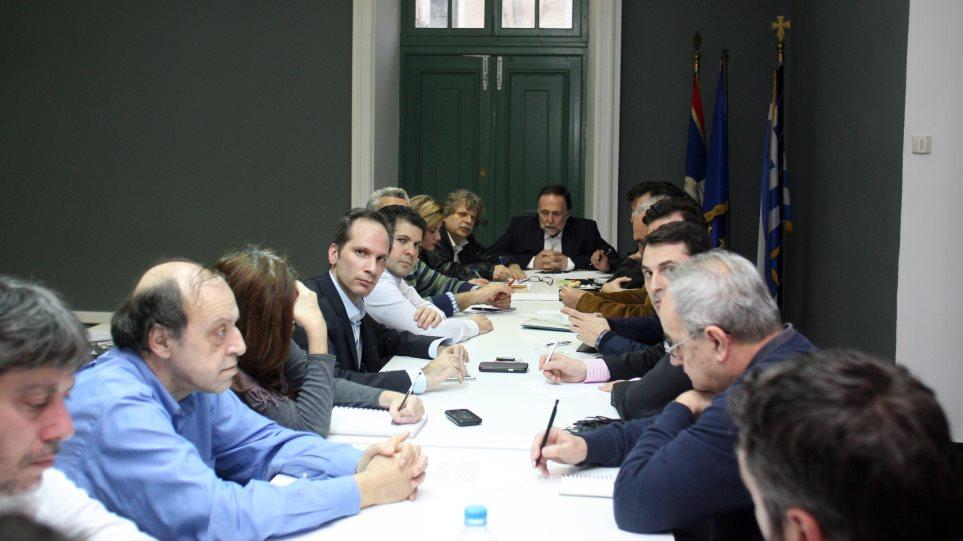 Παραμένουν οι εκκρεμότητες μετά τη συνάντηση ΠΑΣΟΚ, Νέας Ελλάδας και «58»