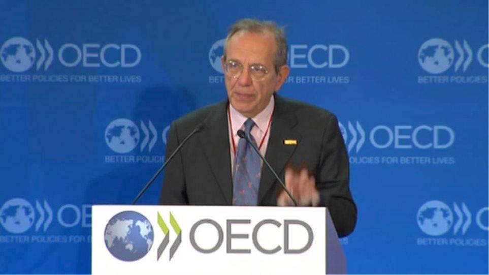 Ιταλία: Νέος υπουργός Οικονομικών ο Πιερ Κάρλο Παντοάν