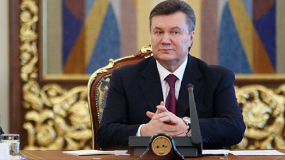 Ουκρανικός Τύπος: Εφτασε το πολιτικό τέλος του Βίκτορ Γιανουκόβιτς
