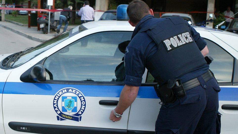 Καβάλα: Συνελήφθησαν νεαροί που έκλεψαν ηλικιωμένη