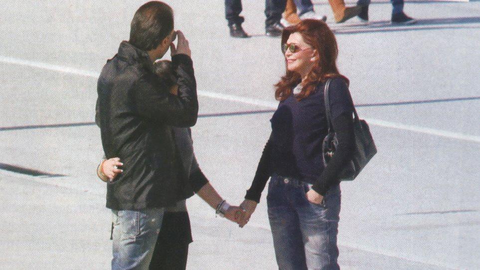 Μιμή Ντενίση: Με τον πρώην σύζυγο στο Βόλο