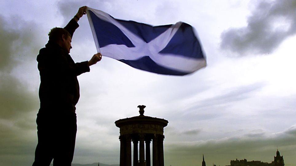 Οι Σκοτσέζοι αντιμετωπίζουν πιο επιφυλακτικά την ανεξαρτησία της επαρχίας
