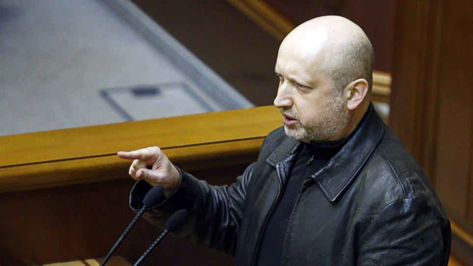 Ουκρανία: « Ξηλώνουν» τους στενούς συνεργάτες Γιανουκόβιτς