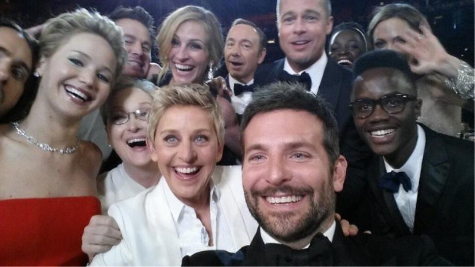 Όσκαρ 2014: Η selfie της Ελεν ντε Τζενέρις που «έσπασε» κάθε ρεκόρ στο Twitter