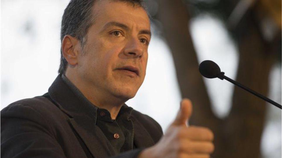 Σταύρος Θεοδωράκης: Μας κυνηγούν κατσαπλιάδες του διαδικτύου