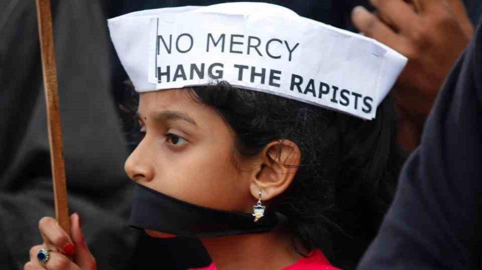 Ινδική κορίτσια πίπες