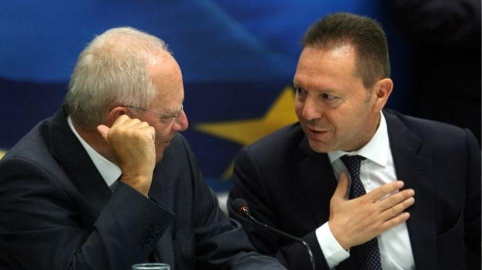 Πώς καταρρίπτει ο Στουρνάρας το νέο δίλημμα Σόιμπλε «μέσα ή έξω απ' το ευρώ»