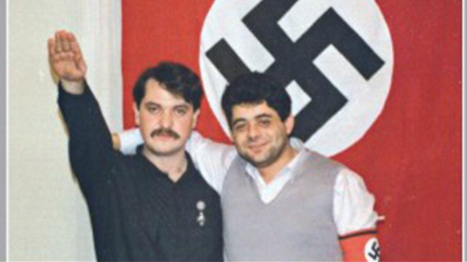 Φωτογραφικά ντοκουμέντα: Μιχαλολιάκος και Παππάς με τη σβάστικα και το σήμα των SS