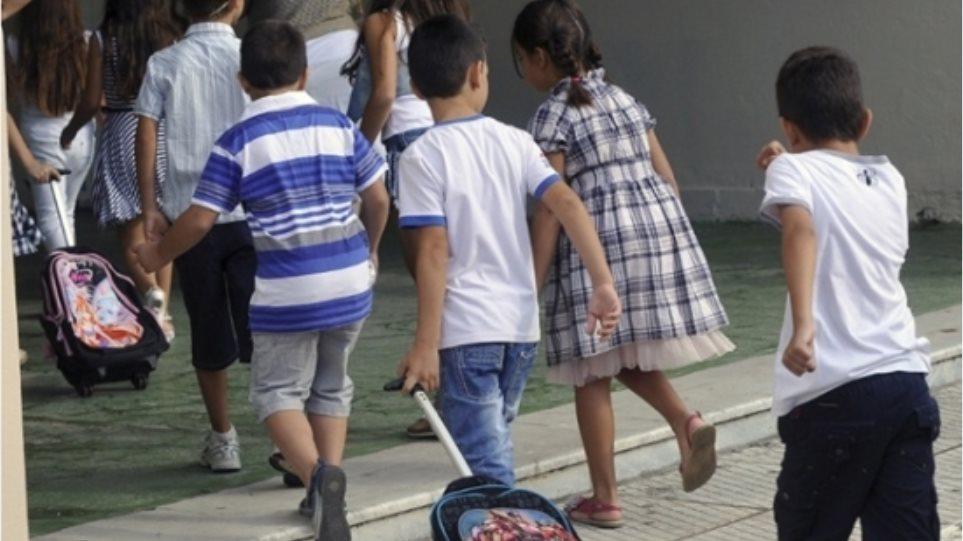 Πεινασμένα αλλά και παχύσαρκα τα παιδιά στην Ελλάδα της κρίσης