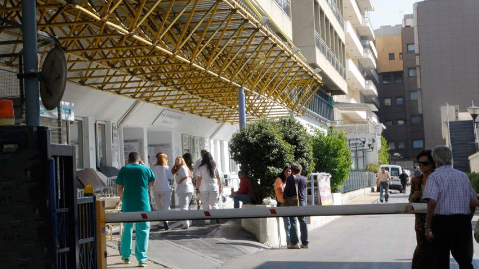 Ποινική δίωξη για κακούργημα στο γιατρό με το «φακελάκι»