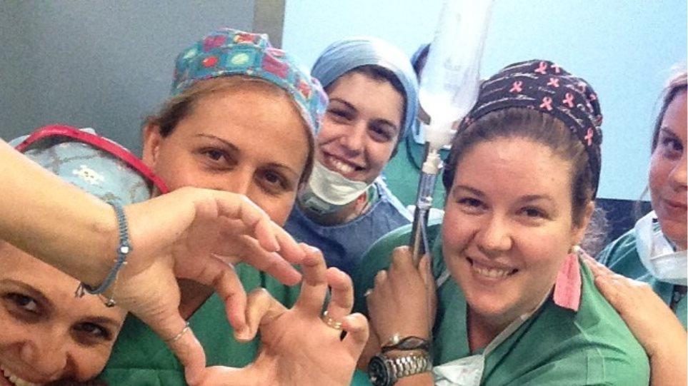Η «selfie» του Σπύρου Σούλη στο χειρουργείο
