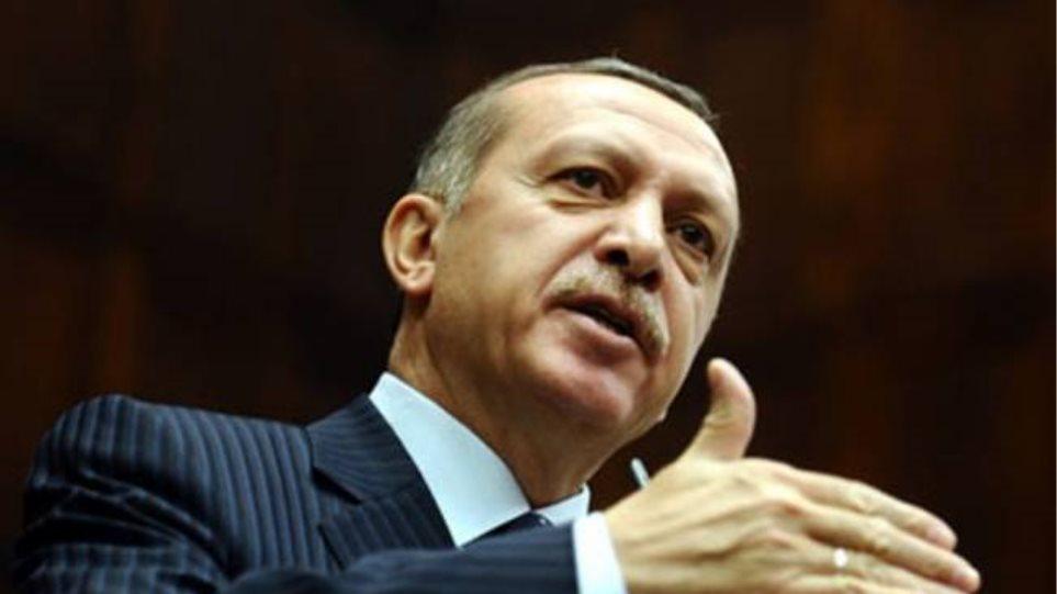 Ερντογάν: Καταγγέλλει το ρόλο της Αιγύπτου και του «τυράννου» Σίσι