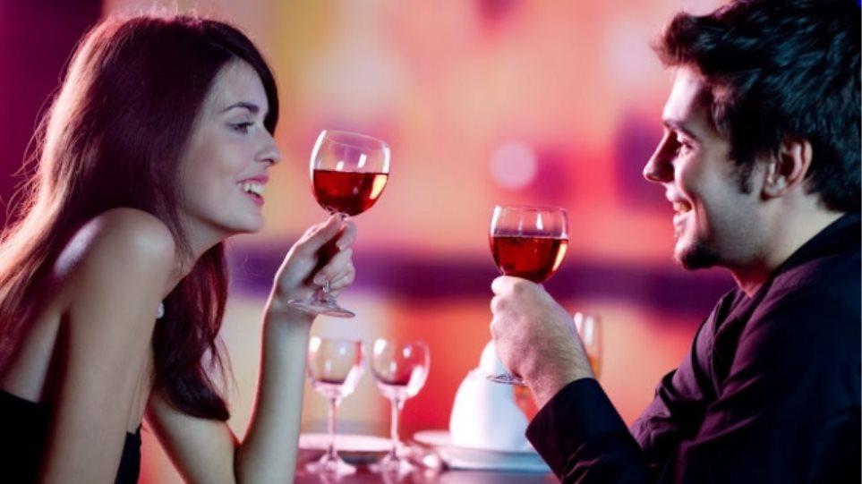 Κρίστοφερ Μάθιους online dating