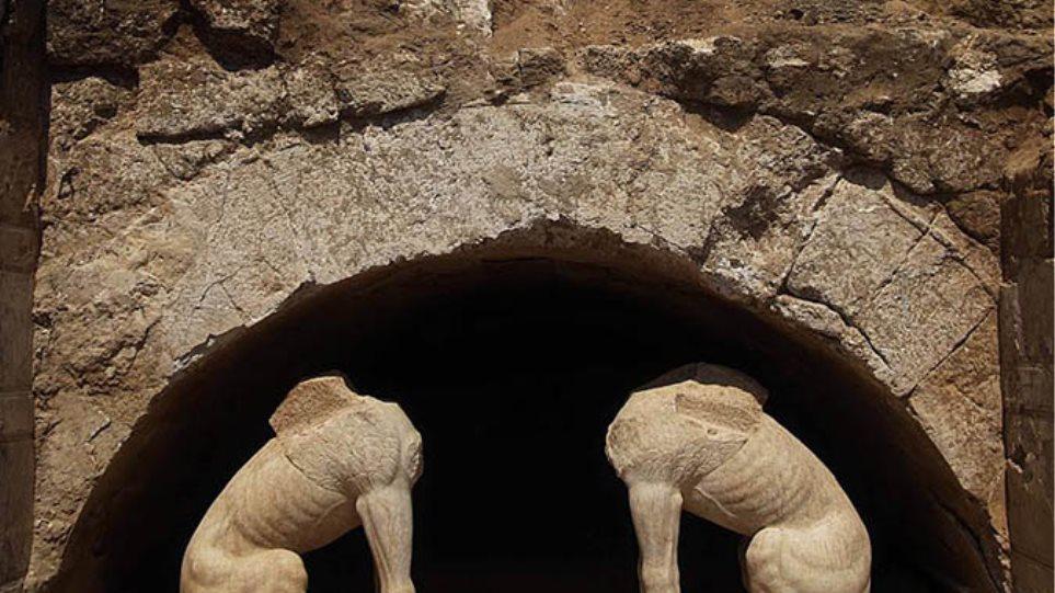 Περιστέρη: Δεν πιστεύω πως ο Τάφος της Αμφίπολης είναι συλημένος