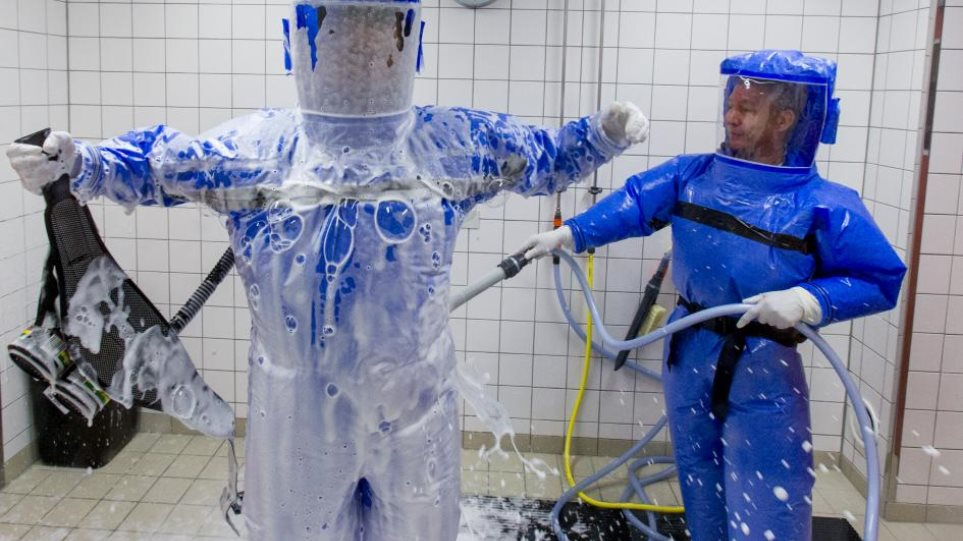 Έμπολα: Ακόμα τρεις Ισπανοί σε καραντίνα