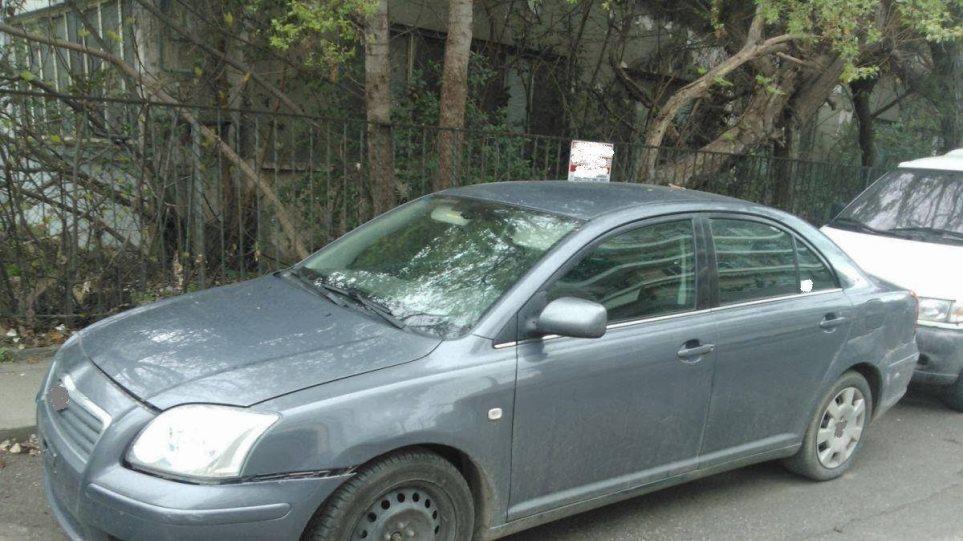 Διέσχισαν τη χώρα με κλεμμένο αυτοκίνητο ξεκινώντας από το Περιστέρι