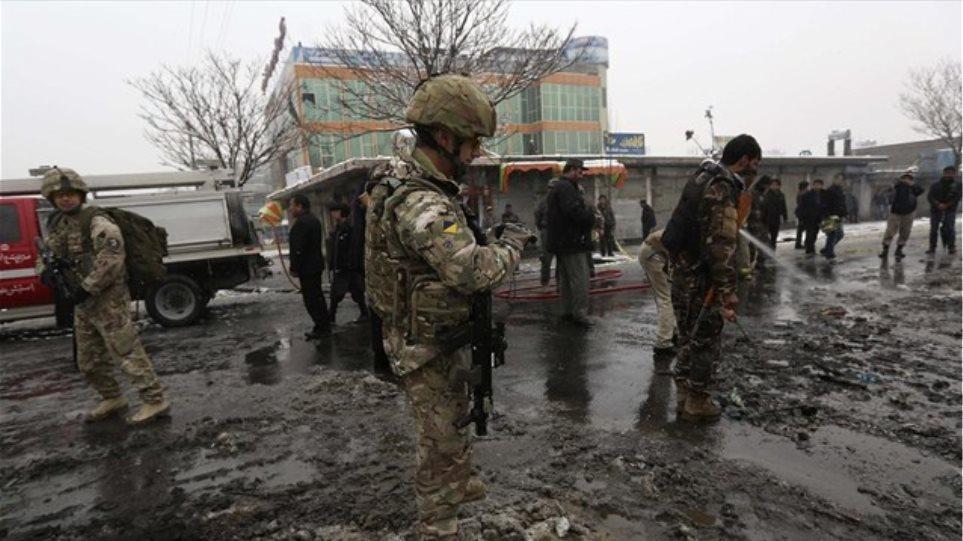 Αφγανιστάν: Επίθεση καμικάζι εναντίον αυτοκινητοπομπής της ISAF