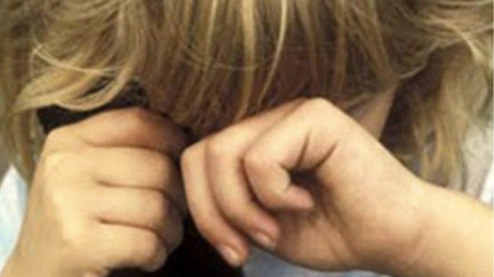 Κρήτη: Εκτός υπηρεσίας τέθηκε παιδόφιλος καθηγητής