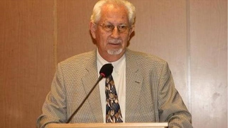 «Έφυγε» ο καθηγητής Αρχαιολογίας Αθανάσιος Παλιούρας