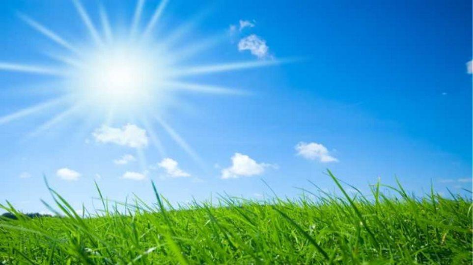 Καλοκαιρινός ο καιρός με ηλιοφάνεια σε όλη τη χώρα