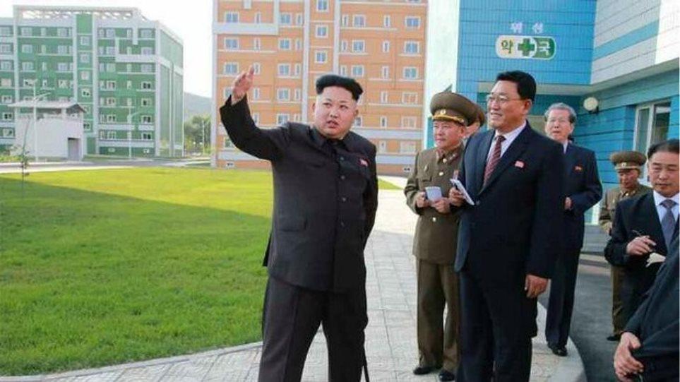 Δείτε πώς ανακοίνωσε η κρατική τηλεόραση την επανεμφάνιση του Κιμ Γιονγκ Ουν
