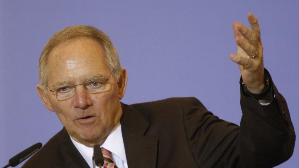 «Καμπανάκι» Σόιμπλε για επενδύσεις στην ΕΕ
