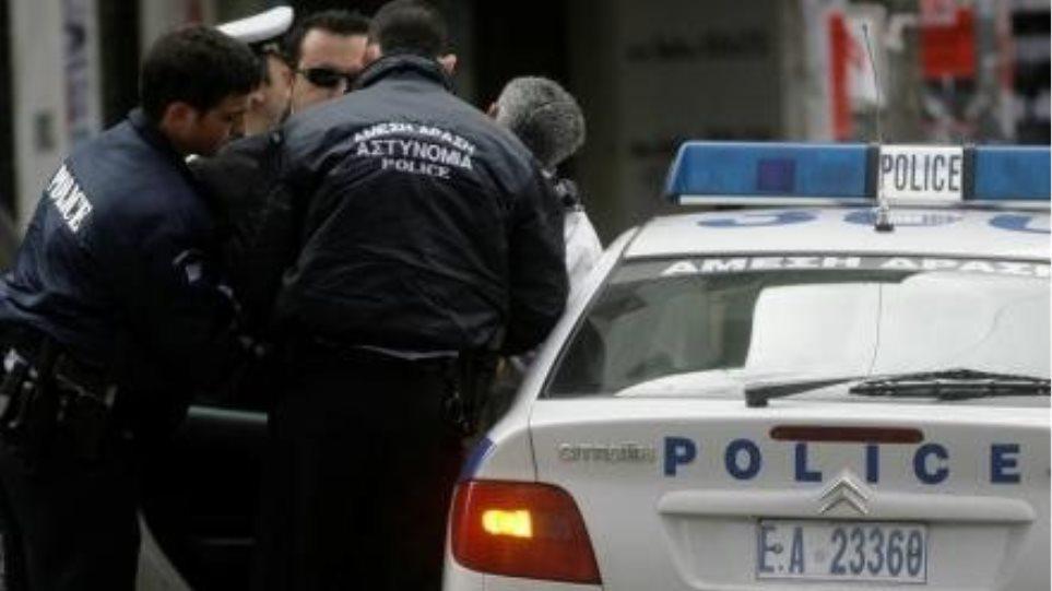 Αστυνομικοί έδωσαν από το υστέρημά τους χρήματα σε απελπισμένο άνεργο
