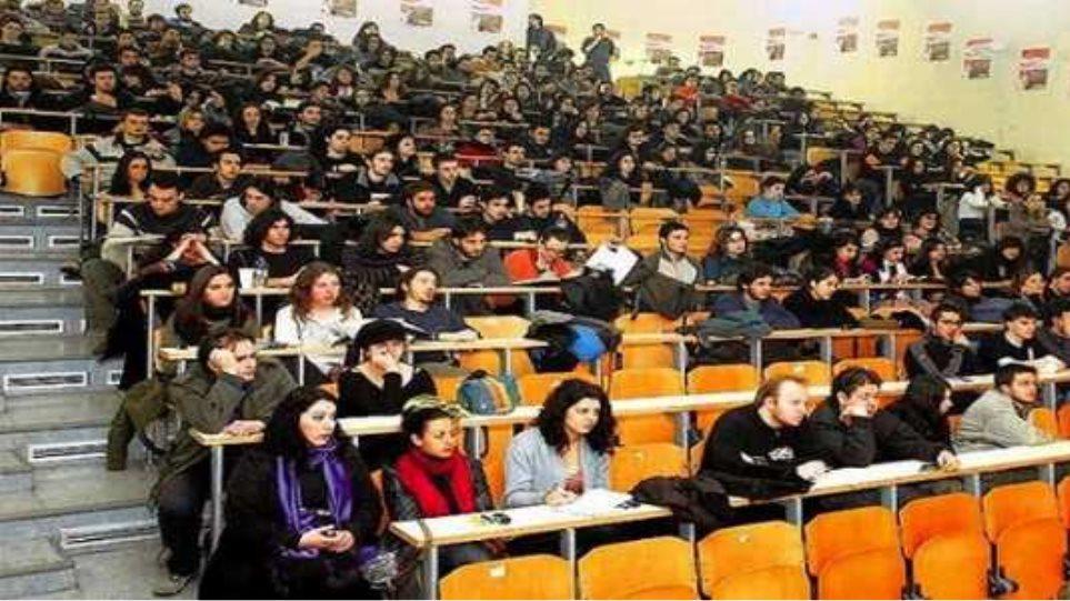 Λοβέρδος: Δεν θα ξεπεράσουν τις 15.000 οι μετεγγραφές