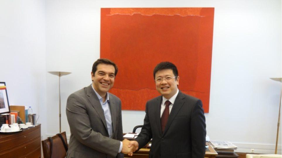 Τετ-α-τετ Τσίπρα με τον Κινέζο πρέσβη