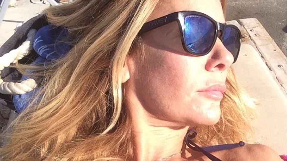 Χριστίνα Παππά: Ανάβει... φωτιές φορώντας το μαγιό της