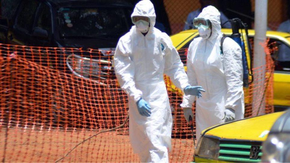 Έμπολα: Το 71% των Ελλήνων ανησυχεί για επιδημία στη χώρα