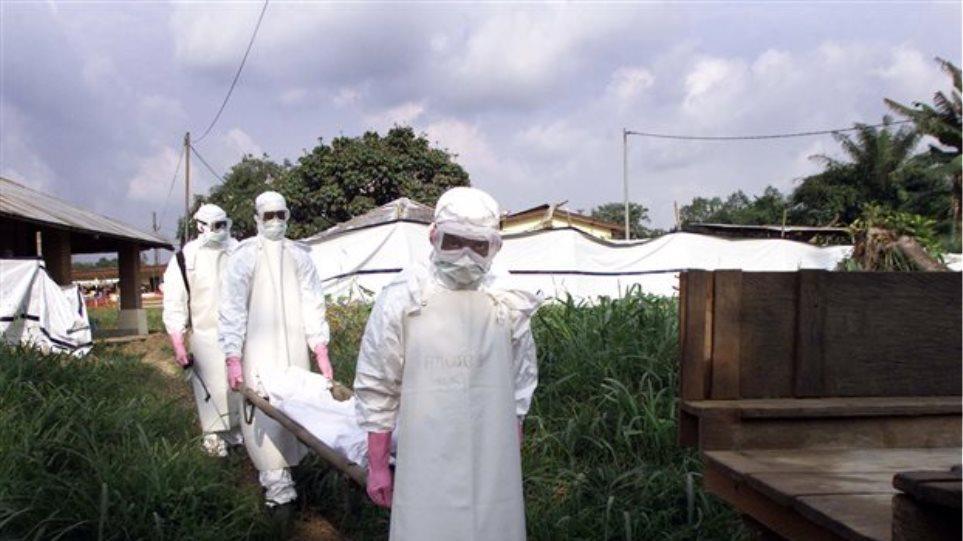 SOS για τον Έμπολα: Έχουμε λιγότερο από δύο μήνες για να σταματήσουμε τον ιό