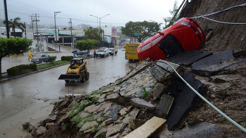 Μεξικό: Καταρρακτώδεις βροχές και πλημμύρες φέρνει η «Τρούντι»