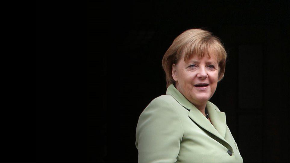 Γερμανία: Στήριξη στην Ελλάδα μέχρι την επιστροφή στις αγορές
