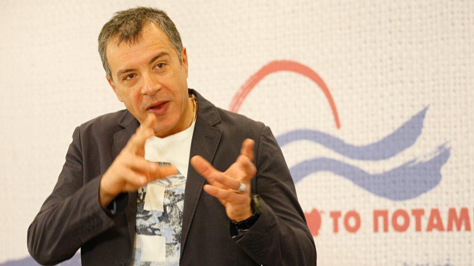 Θεοδωράκης: Το Ποτάμι πρέπει να παραμείνει η τρίτη δύναμη της χώρας
