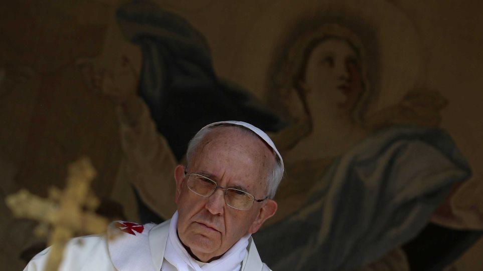 Καμία πρόοδος για διαζύγια και ομοφυλόφιλους στη σύνοδο του Βατικανού