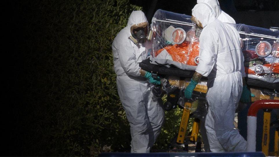 Ανεξέλεγκτος ο Έμπολα, «προσγειώνεται» και στην Ευρώπη