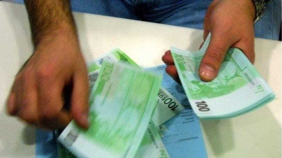 Καθίζηση εσόδων φοβίζει κυβέρνηση και Τρόικα
