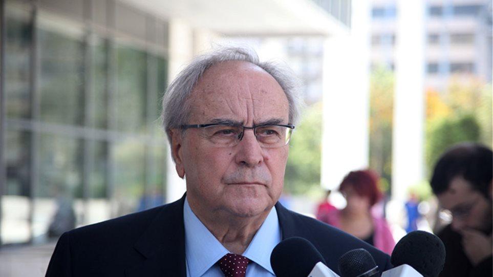 Για «σκηνοθετημένη προεδρολογία» έκανε λόγο ο Ν. Κωνσταντόπουλος