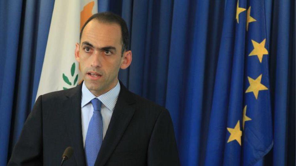 Να σταματήσουν οι αναλύσεις της πλάκας για το τραπεζικό σύστημα, λέει ο Κύπριος ΥΠΟΙΚ