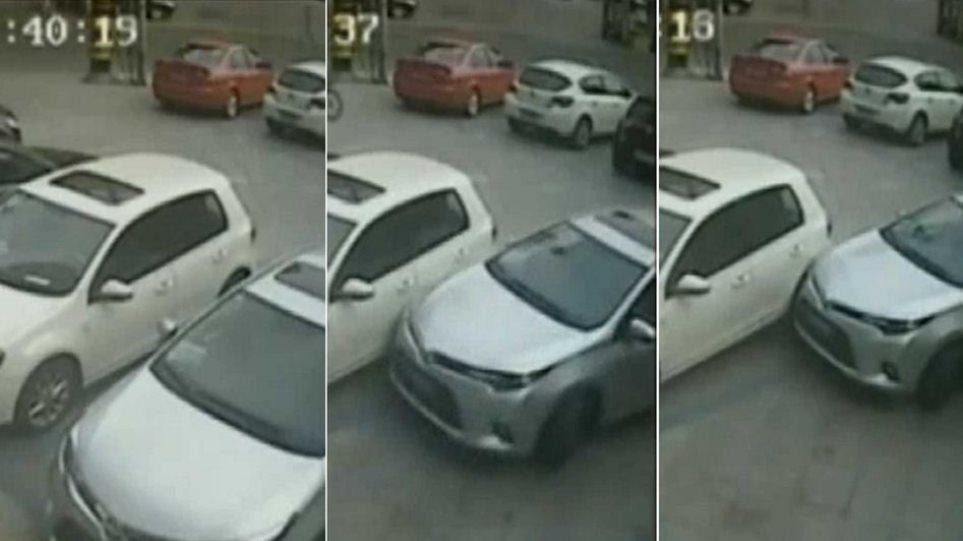 Βίντεο: Αν αυτός δεν είναι ο χειρότερος οδηγός στον κόσμο, τότε ποιος είναι;