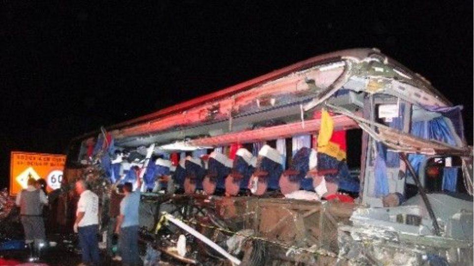 Βραζιλία: Τουλάχιστον 10 νεκροί από σύγκρουση σχολικού λεωφορείου με φορτηγό
