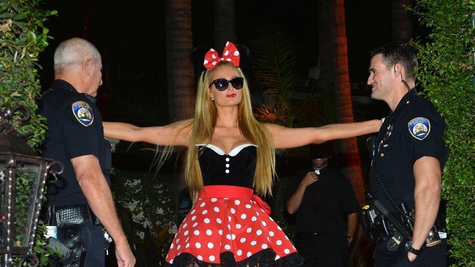 Paris Hilton: Μια Minnie Mouse με Chanel γάντια